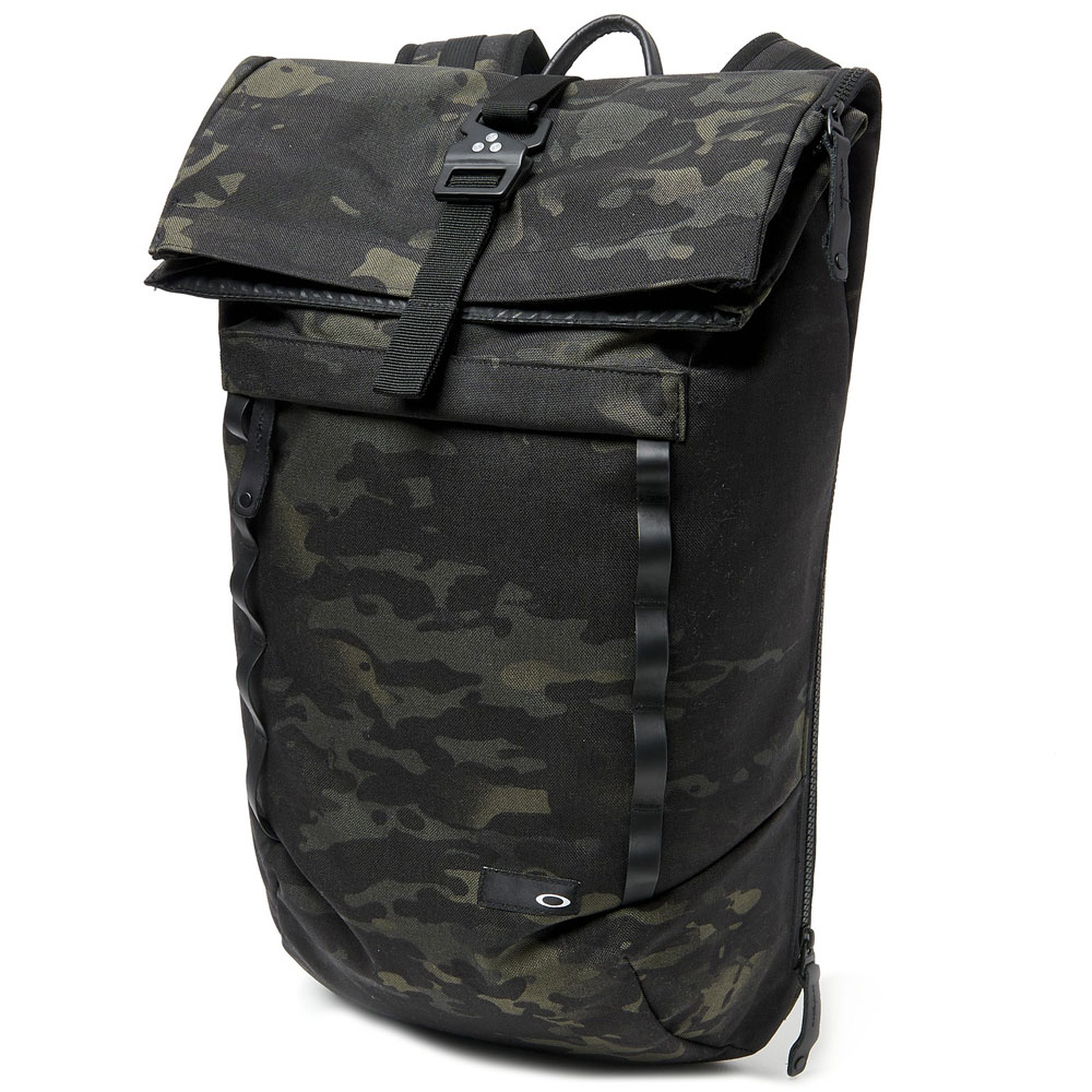 VOYAGE 23L ROLL TOP DAY PACK main photo.